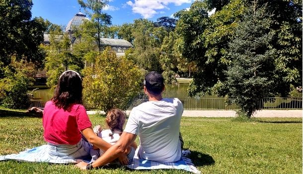 Lee más sobre el artículo Planes gratis con niños en Madrid: Títeres y Retiro